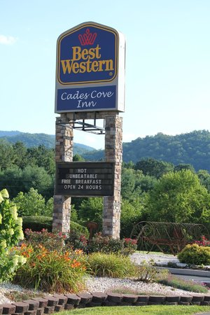 Best Western Cades Cove Inn: Front of hotel