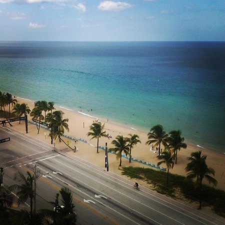 Sonesta Fort Lauderdale Beach : view of beach from room