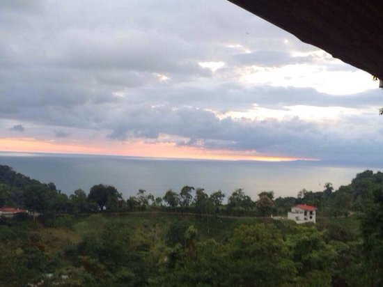 El Lagarto: The photo doesn't do it justice! A gorgeous spot to watch the sun go down ��