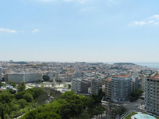 Four Seasons Hotel Ritz Lisbon: view 10th floor