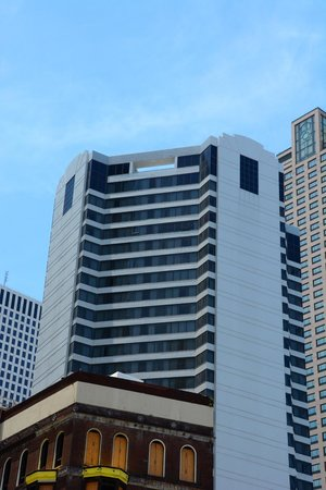 JW Marriott New Orleans: Hotel Exterior View