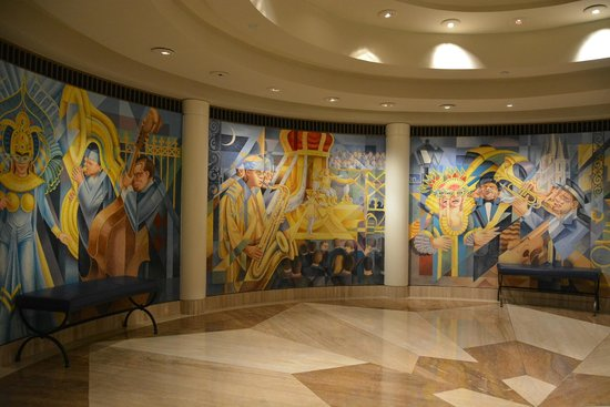 JW Marriott New Orleans: Entrance from Canal 4