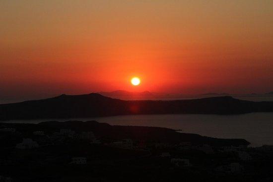 Villa Fabrica Santorini: Sunset from the patio