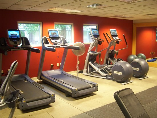 DoubleTree by Hilton Hotel Burlington : gym