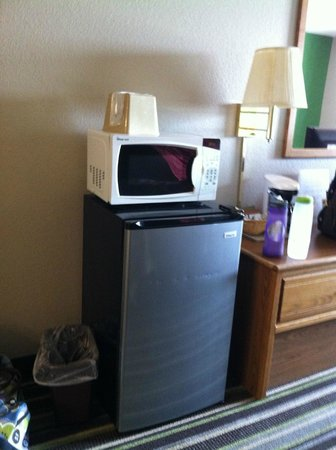 Super 8 Sioux City South: Room 316 - only used the fridge, it was fine.