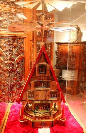Upper Room: Christmas Pyramid