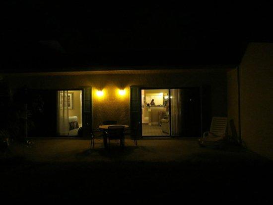 Holiday Inn Club Vacations At Orange Lake Resort: VARANDA PARA UM LAGO