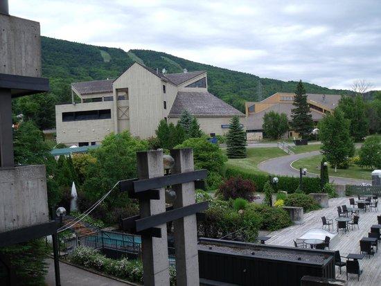 Chateau Mont-Sainte-Anne : Vue de la chambre