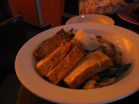 Citrus Bar & Grill: Tofu stir fry
