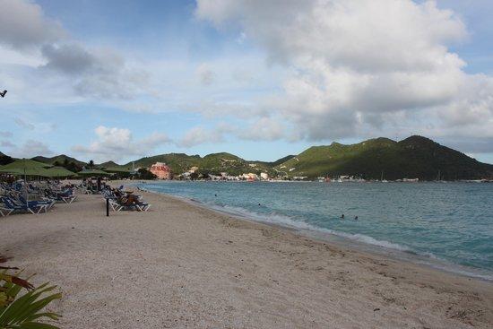 Sonesta Great Bay Beach Resort, Casino & Spa: Picture of the beach area