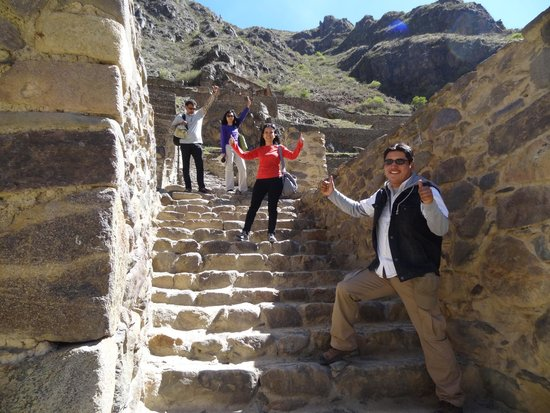 Private Tours Peru : ollantaytambo,  beautiful inca  city ,in the sacred valley