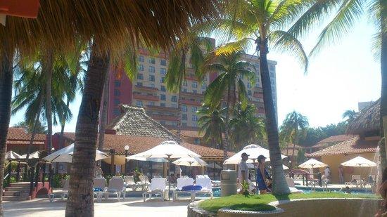 Holiday Inn Resort Ixtapa : Desde la playa