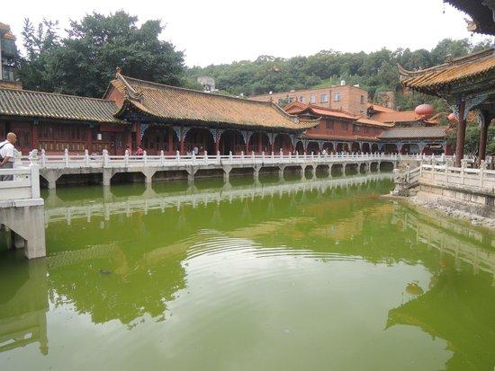 Yuantong Temple: 圓通寺