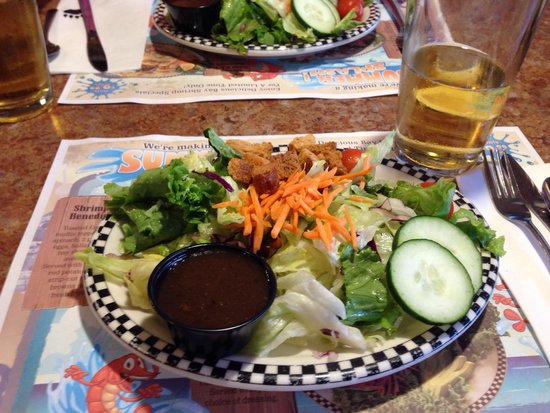 Black Bear Diner: Salat, gehört zum Menü
