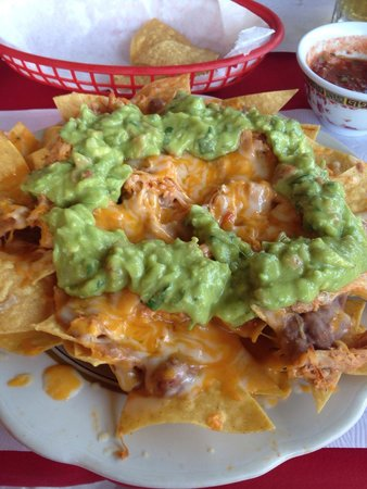 Jesus Restaurant : Nachos with guacamole, refried beans and chicken