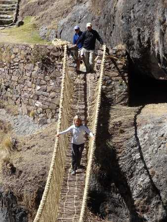 Private Tours Perú: enjoy ,hanging bridge of the Incas, you will feel wonderful experience