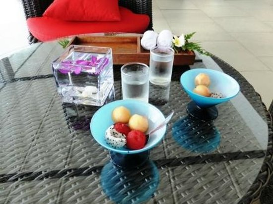 Beyond Resort Krabi: Fruit on arrival while checking in.