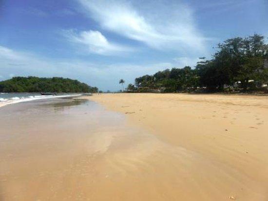 Beyond Resort Krabi: Section of beach at low tide.