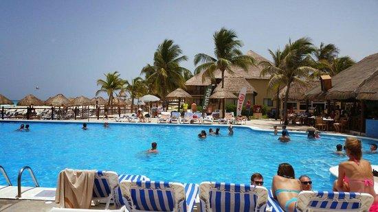 Allegro Playacar : The pool