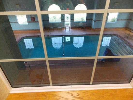Parkfield Inn Warsaw: Pool as viewed from above
