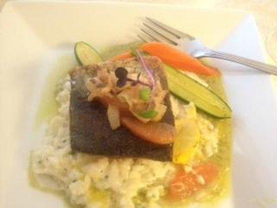 Crown Mansion Boutique Hotel & Villas: delicious dinner