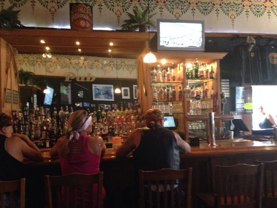 O'Brien's Pub & Grill: Pic of the bar.  Great place