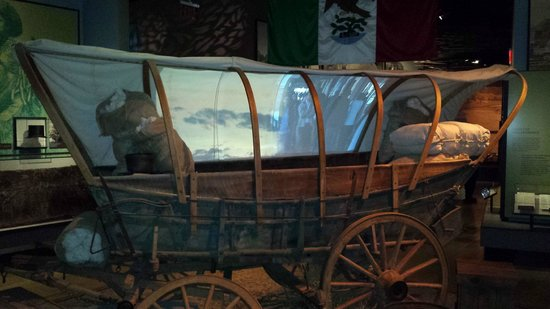 New Mexico History Museum : Covered Wagon