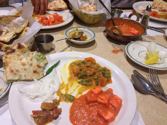 Red Onion Indian Bistro: Feast!