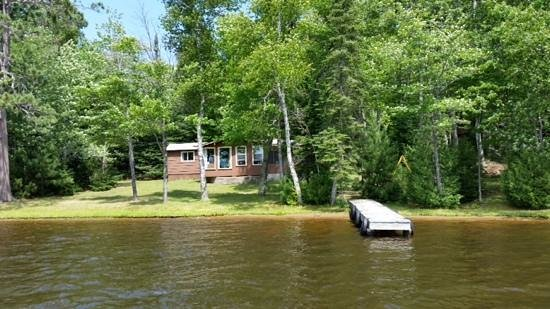 A1 Gypsy Villa Resort : View of island cabin #4 from our row boat. We liked the view of the lake, but other cabins were