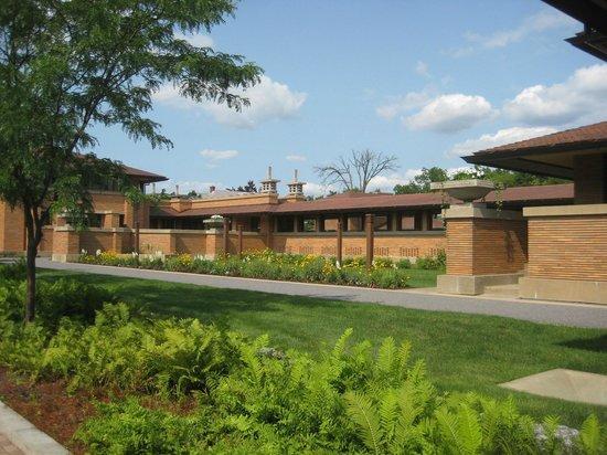 Frank Lloyd Wright's Darwin D. Martin House Complex : Loggia