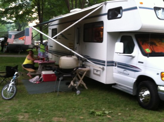 Powder Horn Family Camping Resort : Campsite D4