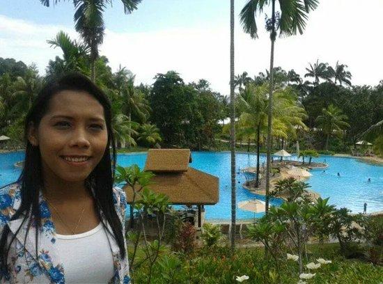Bintan Lagoon Resort: Large PooL