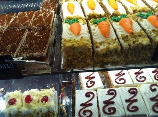 Modern Pastry Shop : italian goodies
