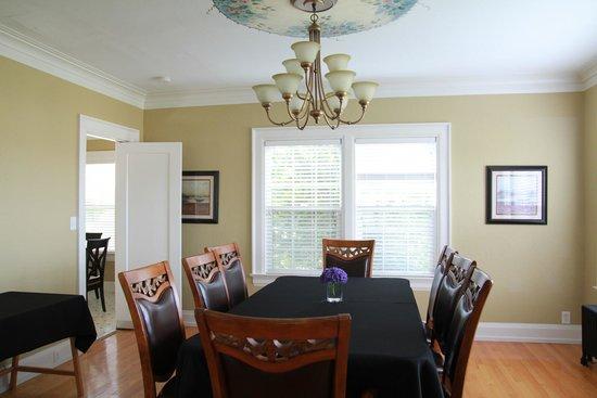 Nantucket Inn: Dining room