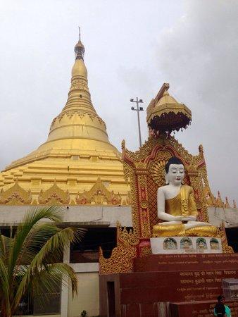 Global Vipassana Pagoda: Buddha and the Global Pagoda