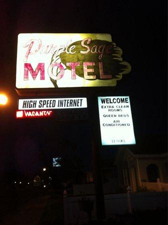 Purple Sage Motel : Wifi dans la chambre
