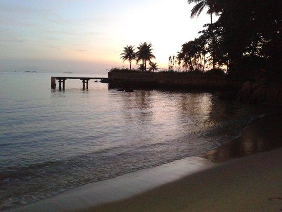 Posada Daleste: Praia em frente à pousada.