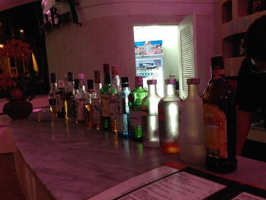 Aonang Villa Resort : Beach Bar