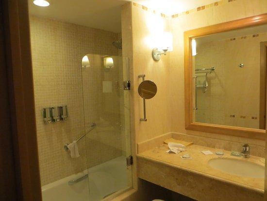 Barcelo Maya Tropical: Bathroom