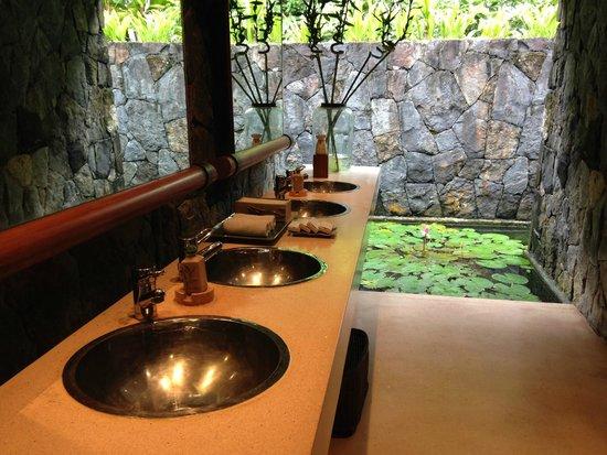 The Datai Langkawi: Guests Washroom