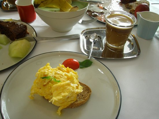Witt Istanbul Suites: Simple scrambled eggs!