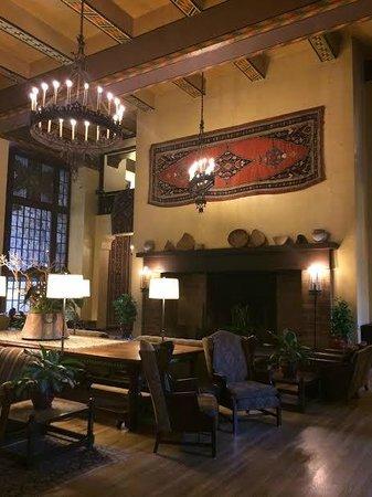 The Majestic Yosemite Hotel: beautiful great room