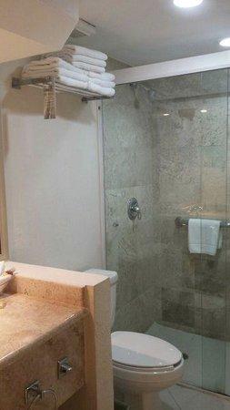 Crown Paradise Club Cancun : Habitación