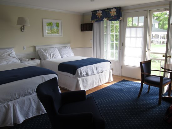 Colonial Inn: Hotel Room