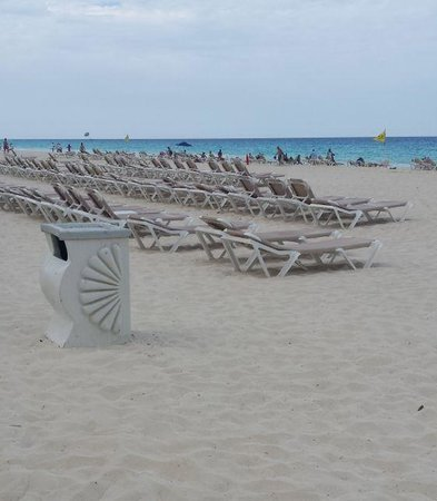 Crown Paradise Club Cancun : playa