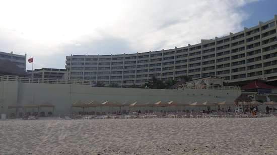 Crown Paradise Club Cancun: playa