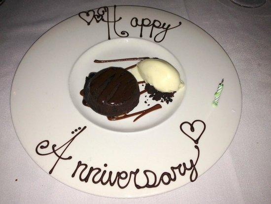 Beano's Cabin: Our anniversary dessert