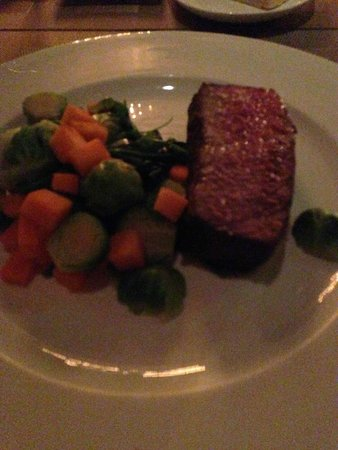 Madera : Steak and steamed vegetables, prepared gluten free