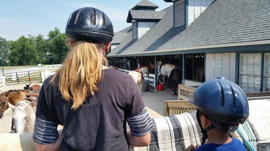 Kentucky Horse Park : getting instructions before horseback riding
