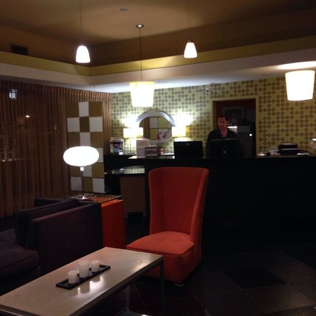 7 Springs Inn & Suites: Lobby @ 7 Springs #retro